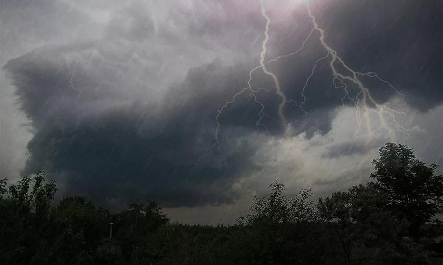 В Крыму объявлено штормовое предупреждение на 21-22 июля: холодный фронт